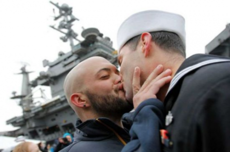 LGBT-military-couples-